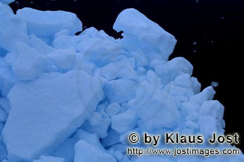 Cape Anne/Nunavut/Kanada        Meereis in der Arktis        Am Ufer von Cape Anne hat sich <