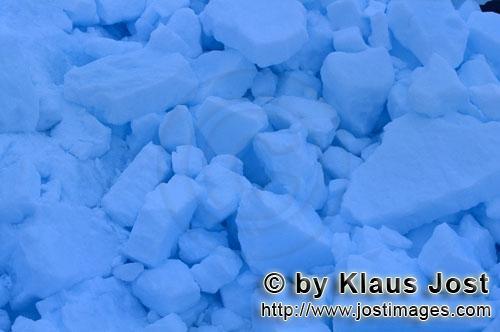 Cape Anne/Nunavut/Kanada        Arktisches Packeis        Am Ufer von Cape Anne hat sich s