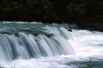 Flußbarriere Brooks River Wasserfall