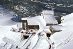 Tiefverschneite Karwendelbahn Bergstation