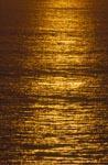 Goldene Meeresoberfläche