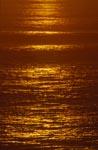 Farbiger Sonnenuntergang über dem Meer