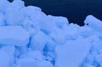 Packeis besteht aus dicht angeordneten Eisschollen